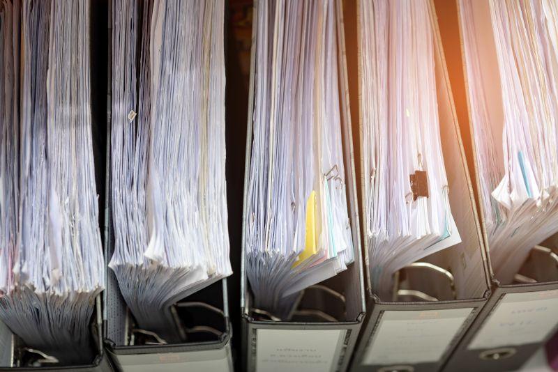 Foldery z dokumentami do zniszczenia
