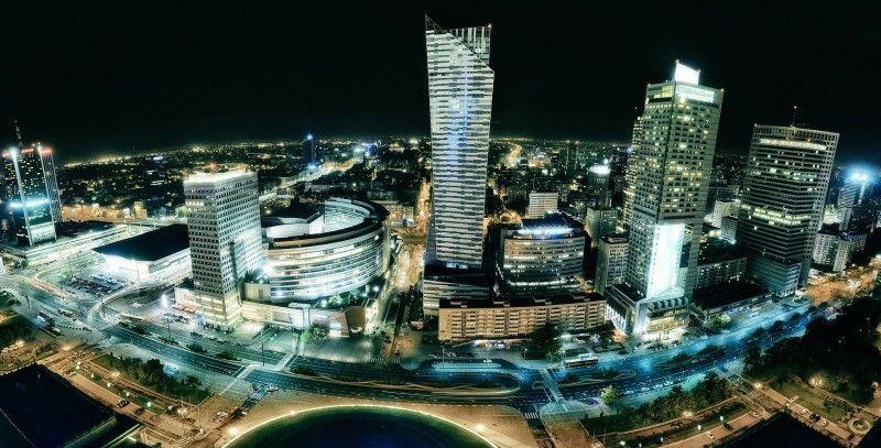 Panorama Warszawy z Pałacu Kultury późną nocą